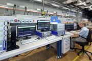 Hochauflösendes Messsystem zur detaillierten Analyse des elektrischen Verhaltens von Solarparks. Das System ermöglicht die zeitsynchrone Erfassung der Ströme und Spannungen von mehreren räumlich verteilten Solarwechselrichtern. ©Fraunhofer ISE