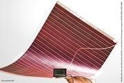 Verkapselungsfolien für flexible Solarzellen sollen im Projekt »flex25« an Umweltbedingungen wie UV-Strahlung angepasst werden.
